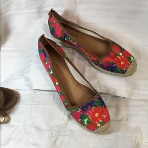 Woman's canvas loafers